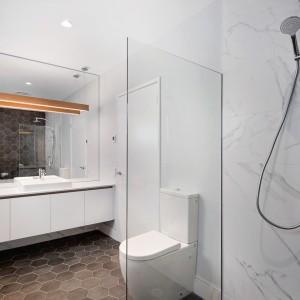 7 bathroom 1